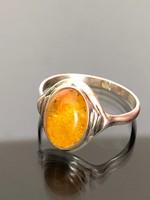 Meseszép ezüst gyűrű borostyán kővel