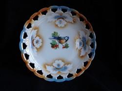 Áttört szélű, lüsztermázas tányér cinke dekorral