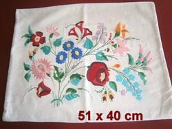 Kézzel hímzett Kalocsai mintás vászon díszpárna huzat, párnahuzat 51 x 40 cm