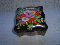 Royal dux   kézzel festett  porcelán   doboz