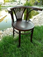 Széles karfájú, legyezős, eredeti antik, jelzett  Thonet szék teljesen stabil állapotban
