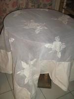 Álomszép organza betétes rávarrt rózsamintás különleges terítő