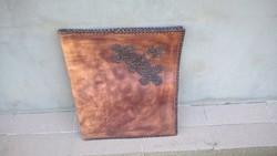 Hatalmas bőrmappa kép festmény