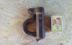 Antik kovácsolt vas lakat XVIII.századból
