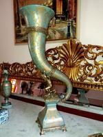Monumentális műalkotás - empire stílusú - kürt alakú vázák