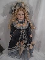 Porcelán - NÉMET baba - Viktoriánus stílus - nagy 40 x 20 cm selyem ruha  - újszerű