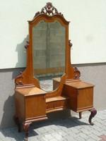 Neobarokk tükrös előszobaszekrény