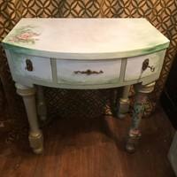 Romantikus, három fiókos konzolasztal, pipereasztal