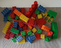 53 db Lego Duplo kocka (+ 6 másfajta)