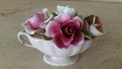 Porcelán dísz rózsakosár vintage rózsás kosár  eladó!