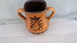 Gyönyörű kerámia váza