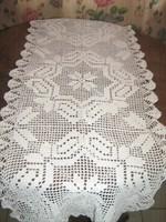 Különleges csodaszép fehér kézzel horgolt virágmintás antik csipke terítő garnitúra