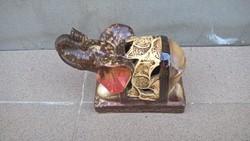 Kis elefánt szobor