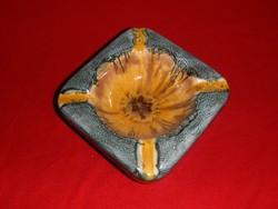 Iparművész kerámia hamutál 12,5*12,5 cm (24/d)