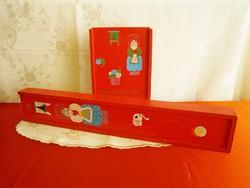 2 db régi tolótetős fa doboz, nagyik kötő doboza fonalnak és kötőtűnek