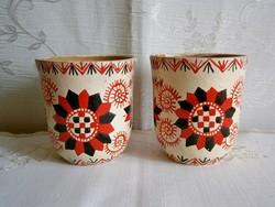 2 db régi kézzel készült, Buzsáki vézás mintával festett kicsi kerámia pohár