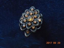 Antik ötvösmunka,rátétes rozettás,köves gyűrű