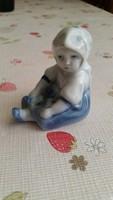 Nagyon szép Zsolnay ülő kislány szobor eladó!