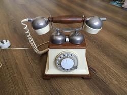 Retro telefon jó állapotban