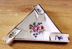 Háromszög alakú, virágos mintás Herendi hamuzó tálka, nagyon ritka egyedi darab