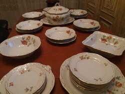Zsolnay vadrózsás 6 személyes étkészlet, extra süteményes készlettel