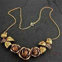 Gyönyörű 14.kr.arany collier rózsákkal