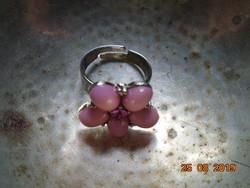 Dekoratív rózsaszín és piros kővel fém gyűrű