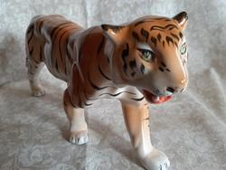 Nagyméretű kerámia tigris