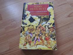 Terry Pratchett - Történet a korongvilágról FEGYVERTÁRSAK