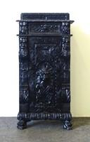 0X954 Antik faunfejes faragott fiókos szekrény