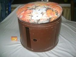 Retro puff, kis szék tároló résszel