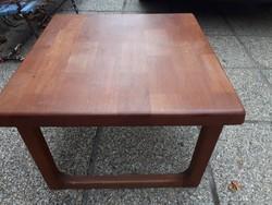 Vintage Mid Century masszív teakfa dohányzó asztal   - dán design