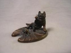 Cica egérre vadászik Bécsi bronz