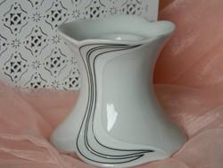 Elegáns kis porcelán  gyertyatartó