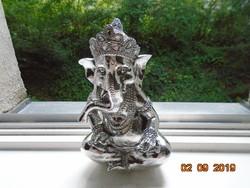 Dekoratív Ganesha, hindu istenség, ezüstözött kerámia szobor
