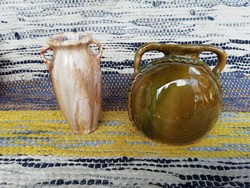 Jelzett kis kerámia vázák