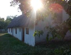 Balatoni antik nádtetős ház