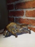 Antikolt sárgaréz bika