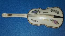Hegedű alaku, ékszertartó fedeles doboz