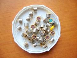 2N2218 tranzisztor régiség 65-70-ből !TI,MOTOROLA,NSC,TFK,GI,STB..TO-39-MPL csomagautomatába is