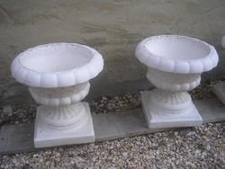 N13 Szobrászbeton Barokk stílusú talpas virágtartók,+ fűszernövény stb, ritkaság eladó 23.5 kg-os