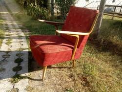 Különleges karfájú retro fotel a 60-as évekből