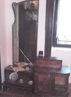 Nincs minimálár ! Antik fésülködő,toalett szekrény,csiszolt tükrös,vitrines,fiókos intarziás