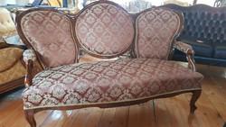 Nagyon szép kanapé eladó / ÚJ kárpittal/