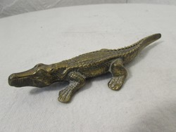 Antik bronz krokodil