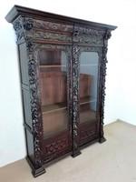 Antik reneszánsz vitrin