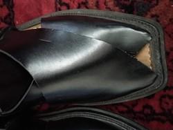 Kb 44-es Fekete egyedi kézi készítésű valódi bőr férfiszandál  férfi cipő