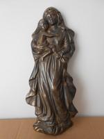Mária és a kis Jézus dombormű