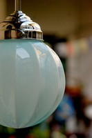 Art deco krómozott mennyezeti lámpa felújítva - függőlegesen bordázott kék búra