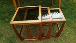 Retró, üveg tetejű hármas szervíz asztalok, Nest of tables